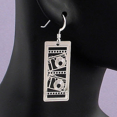 18 Creative and Cool Camera Earrings (18) 7