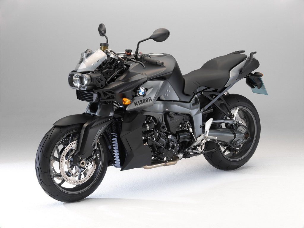 99 bike wallpapers 2011 bmw f 800 st touring and k 1300 r dynamic bike wallpapers. Black Bedroom Furniture Sets. Home Design Ideas