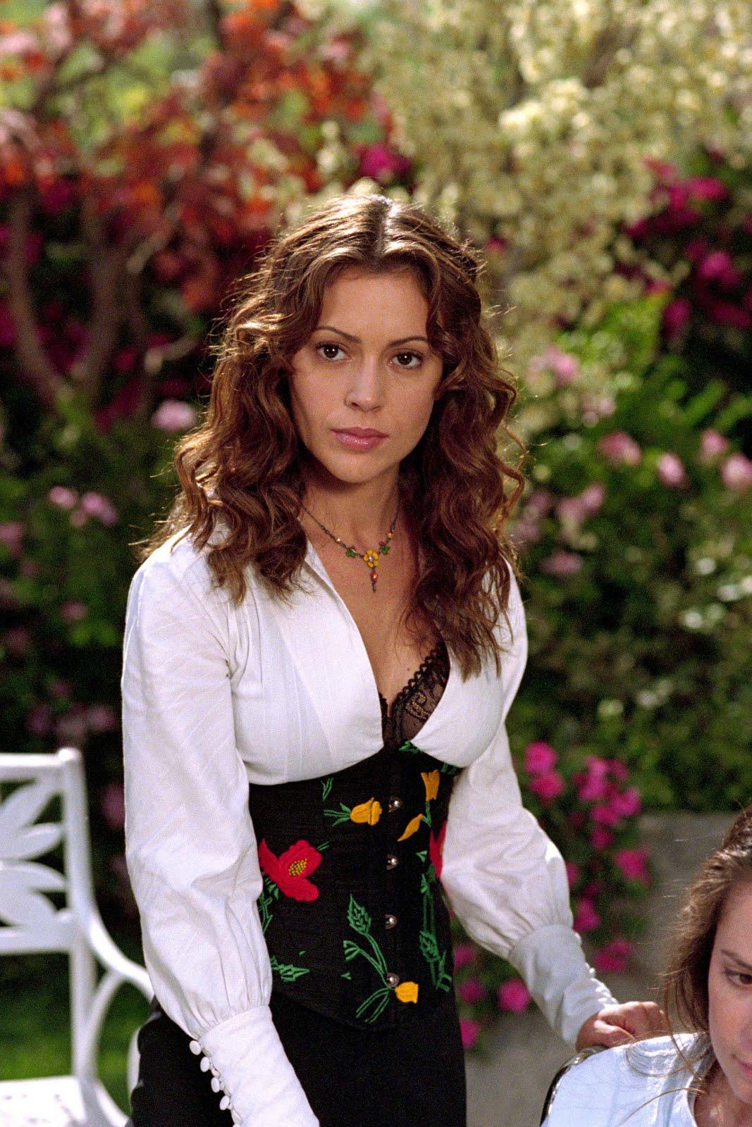 alyssa milano charmed sexy