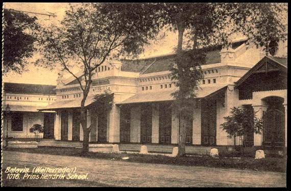 gedung STOVIA (School tot Opleiding voor Indische Artsen)