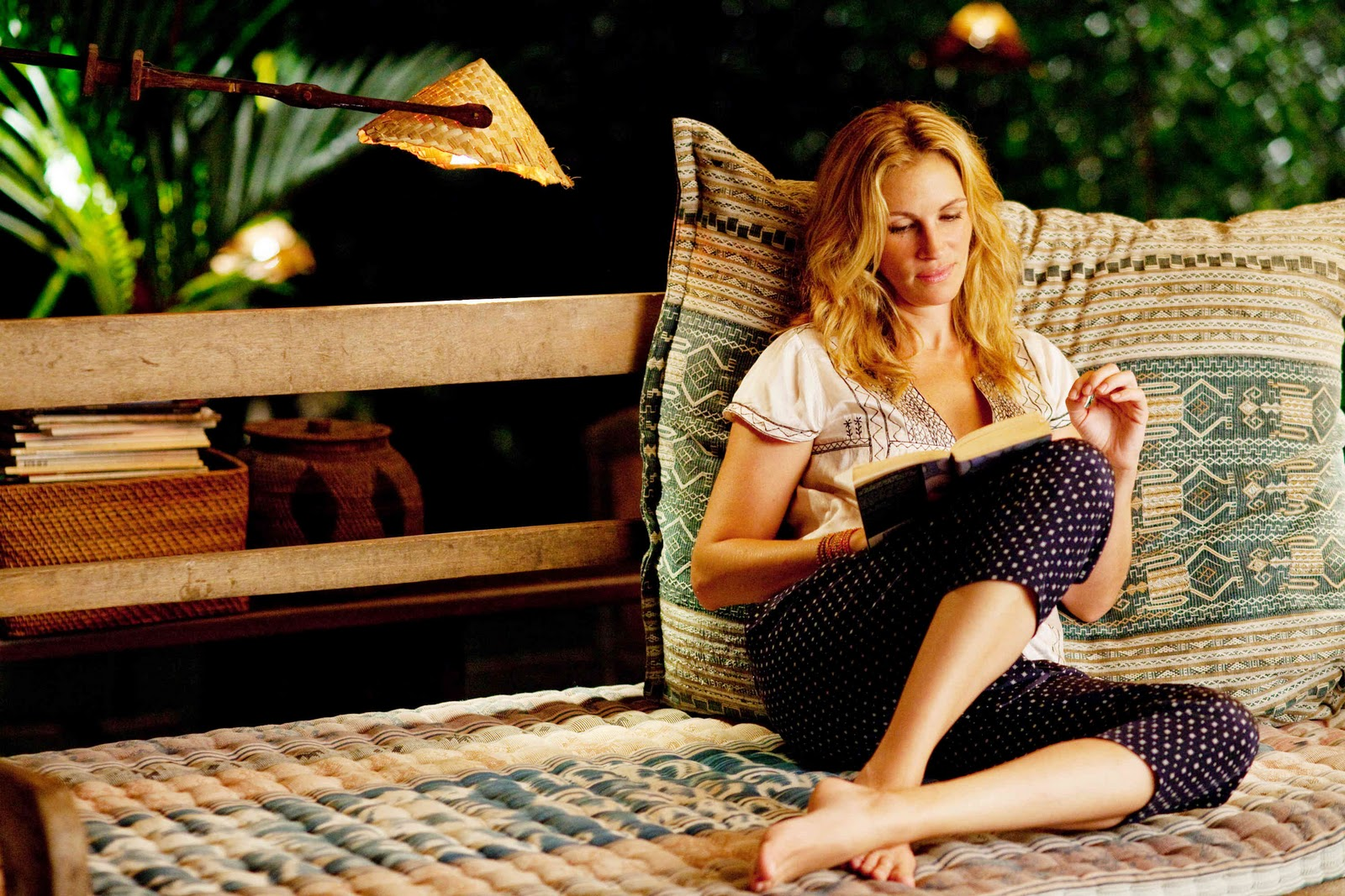 movie actually eat pray love review. Black Bedroom Furniture Sets. Home Design Ideas