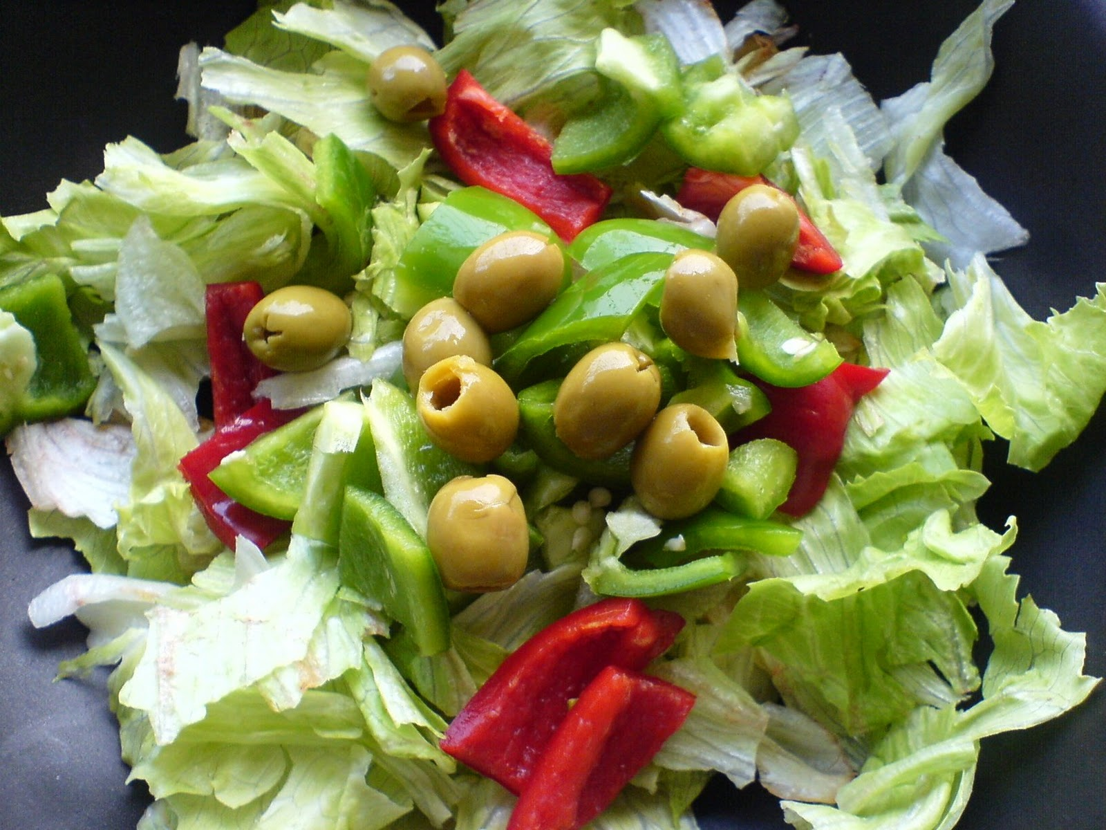 RAWk Me!: Strawberry Lettuce Salad