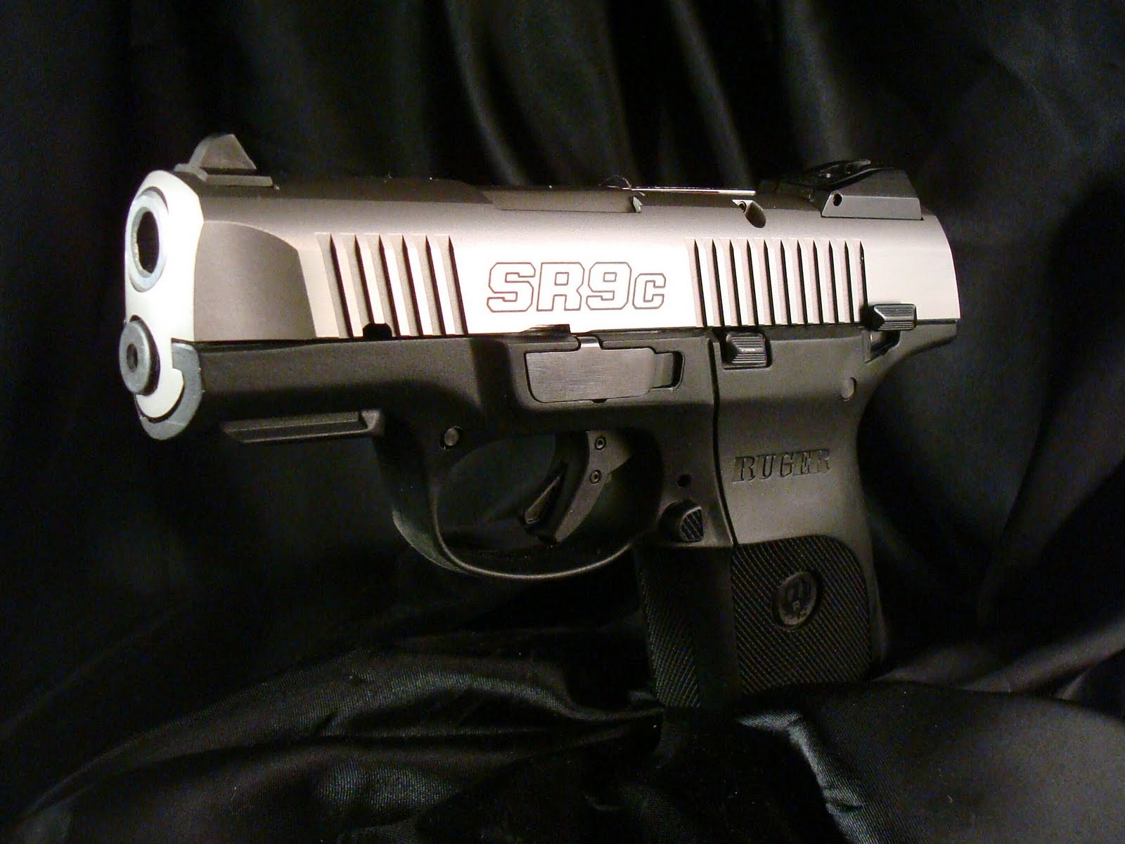 Average Joe's Handgun Reviews: Ruger SR9c Compact 9mm