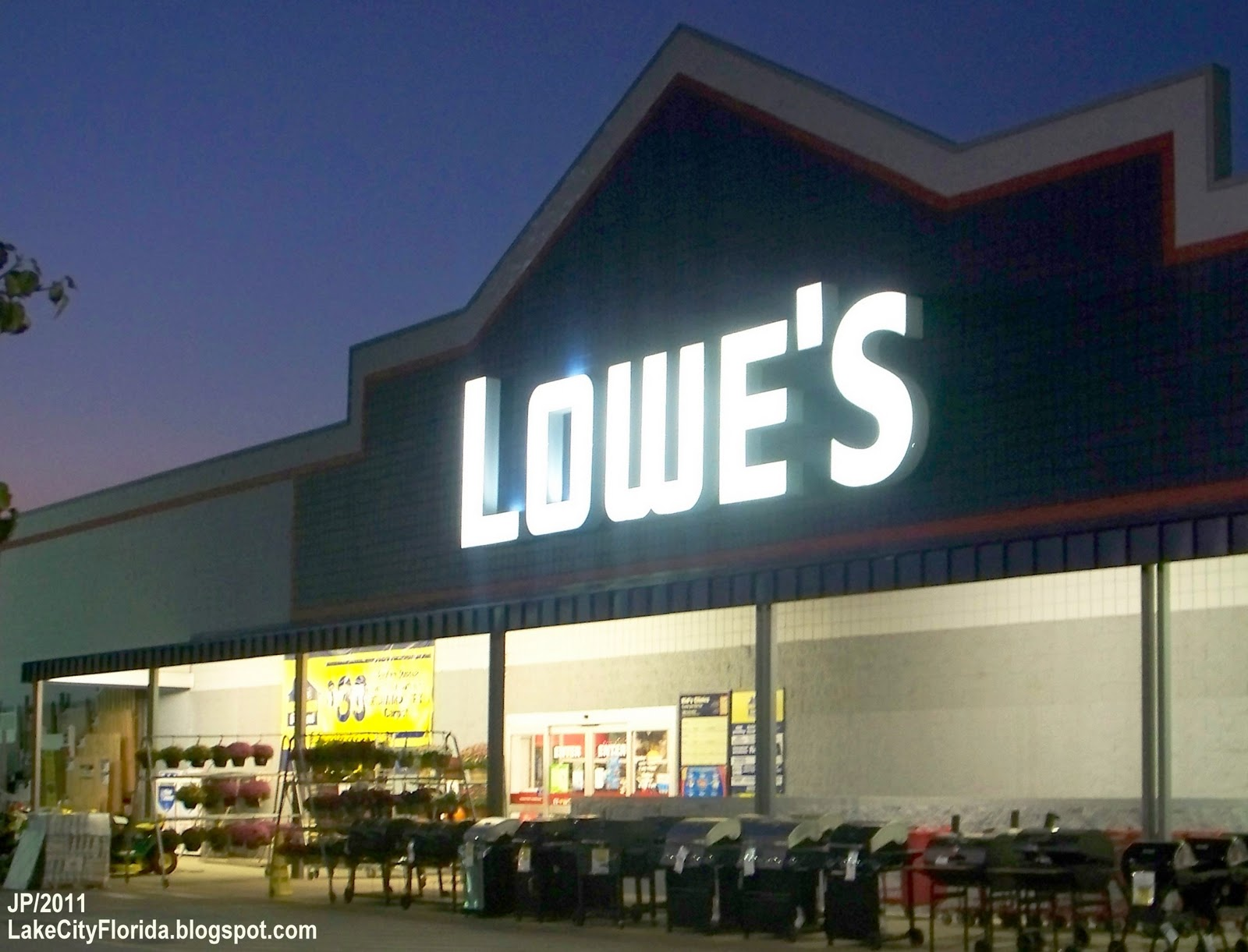Perfect Lowe's Home Improvement Store 1600 x 1221 · 205 kB · jpeg