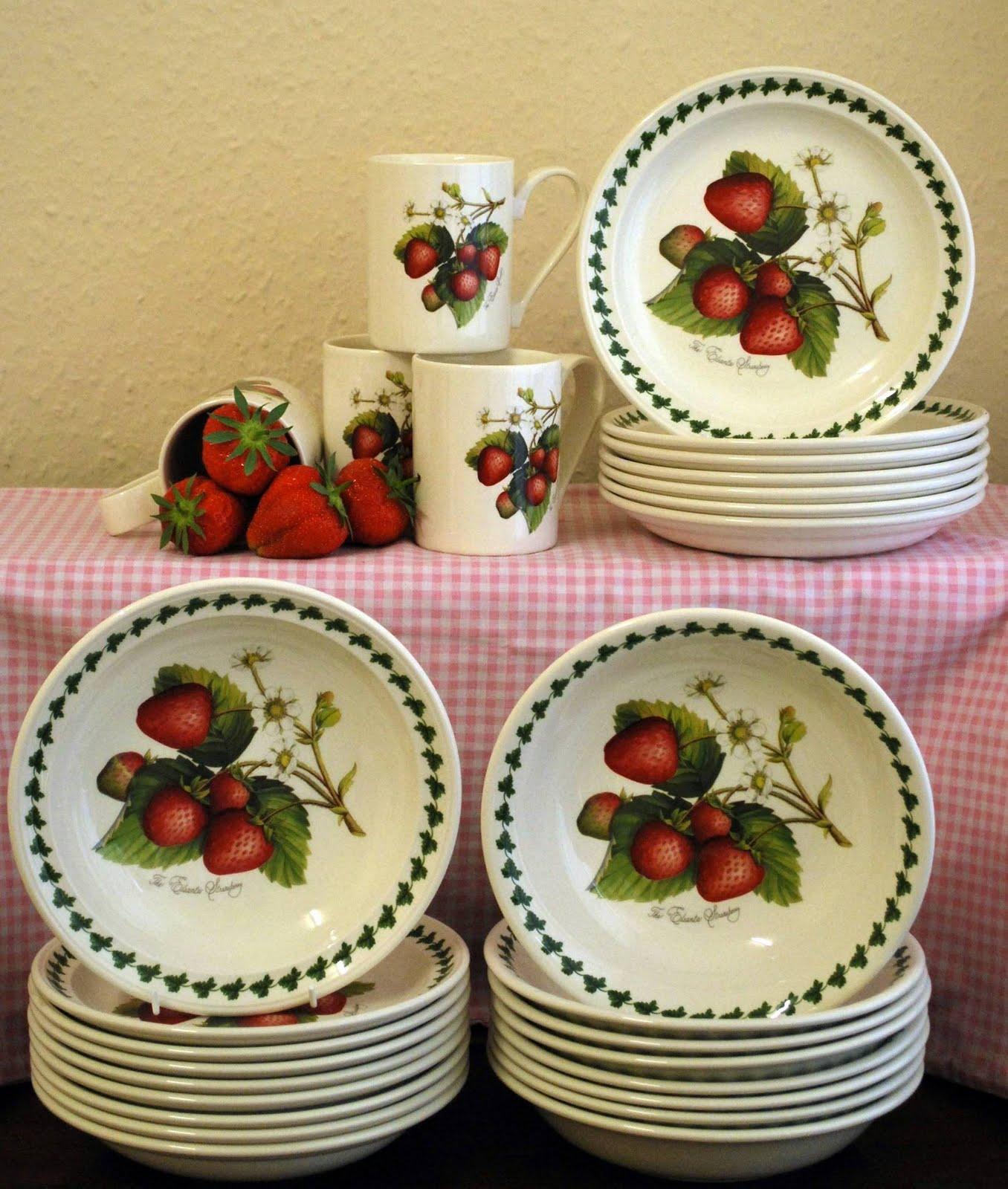 The English Cottage Portmeirion Strawberry Fair