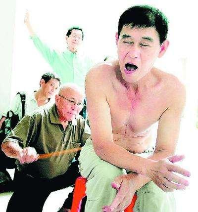Caning bastonnade ch timent corporel for Dans quel pays se trouve singapour