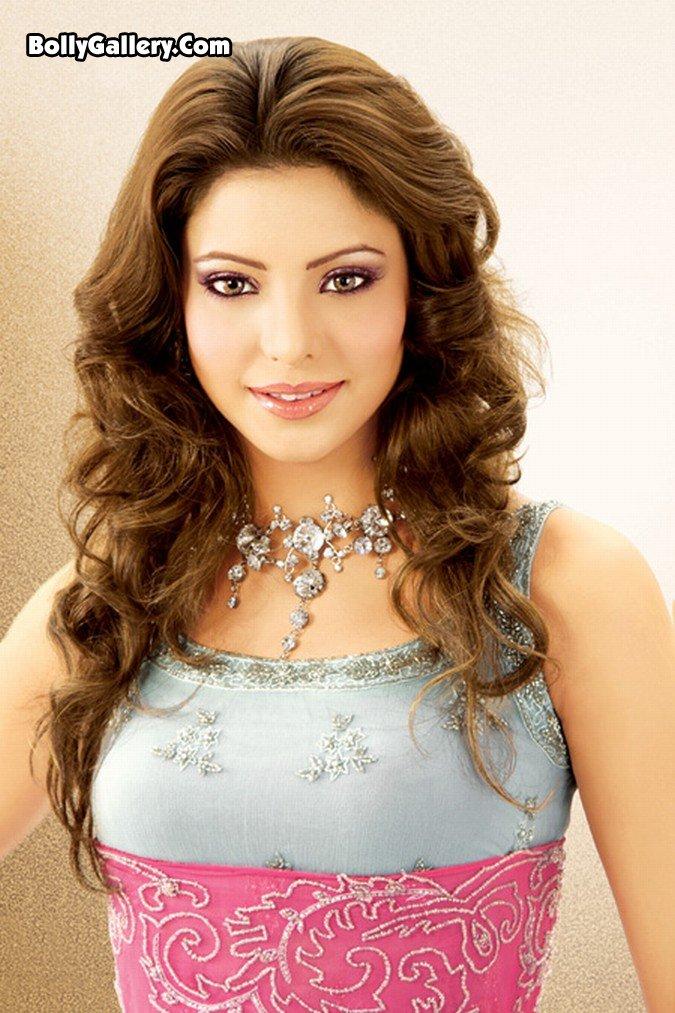Sexy Aamna Shariff 34