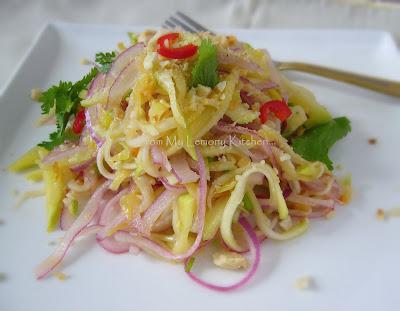 Kerabu Mangga/ Mango Salad