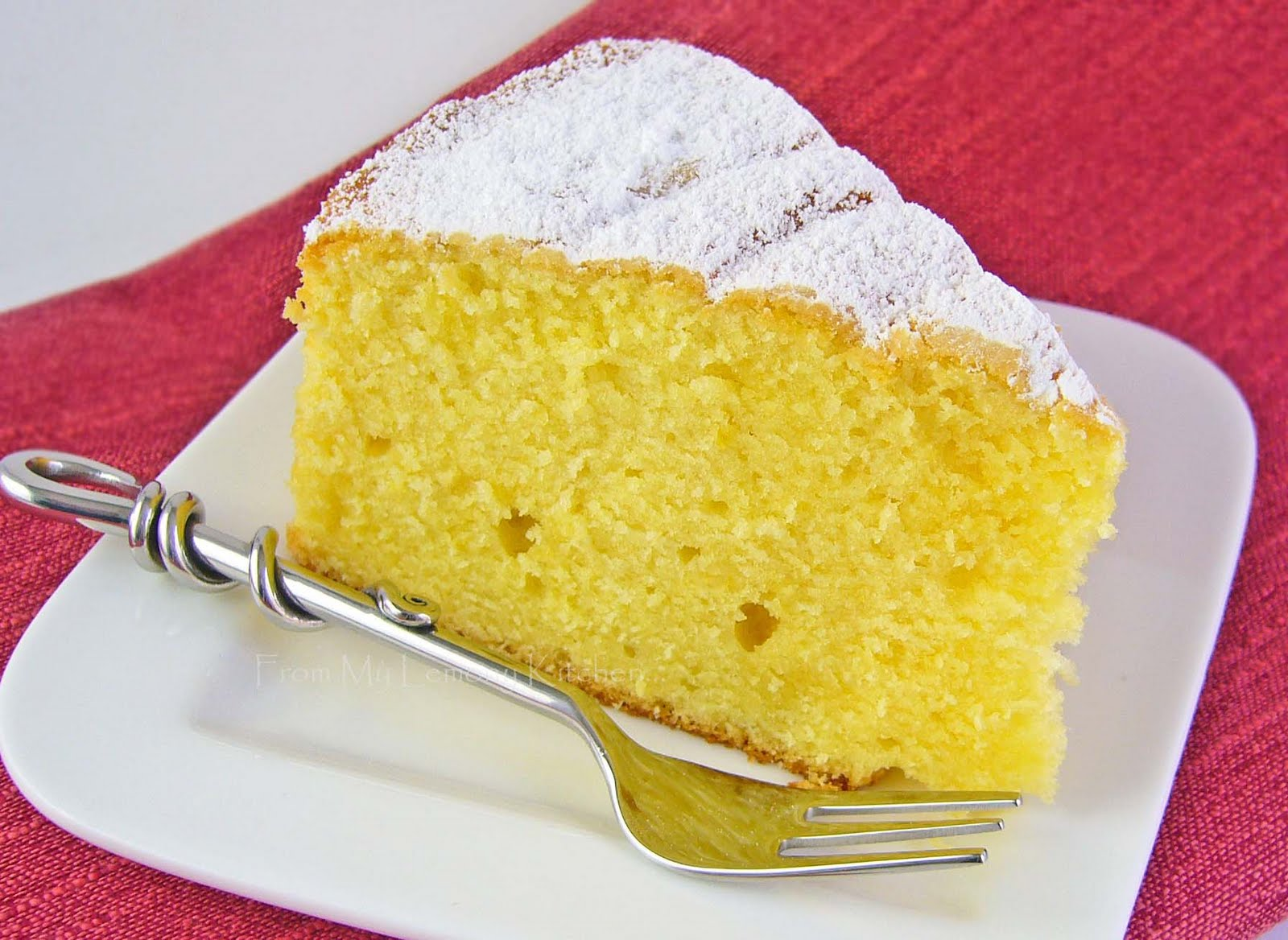 Lemon And Sour Cream Cake Lisa S Lemony Kitchen