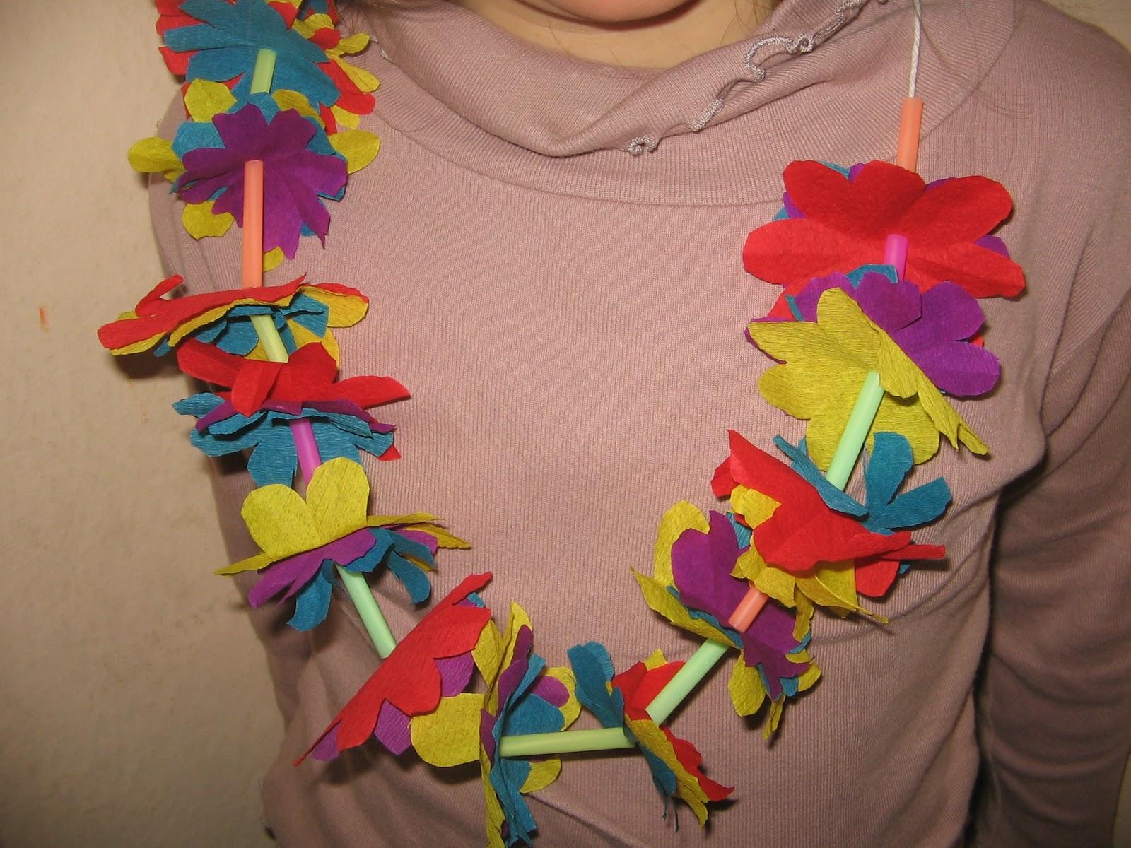 Fabuleux 13 Active: Colliers hawai,en papier crêpon, soie ou sacs en plastique WR01