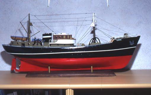 quinze marins sur le bahut du mort tintin haddock et les bateaux. Black Bedroom Furniture Sets. Home Design Ideas