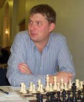 Shirov al inicio de una partida de ajedrez