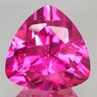 Topacio rosa tallado como joya