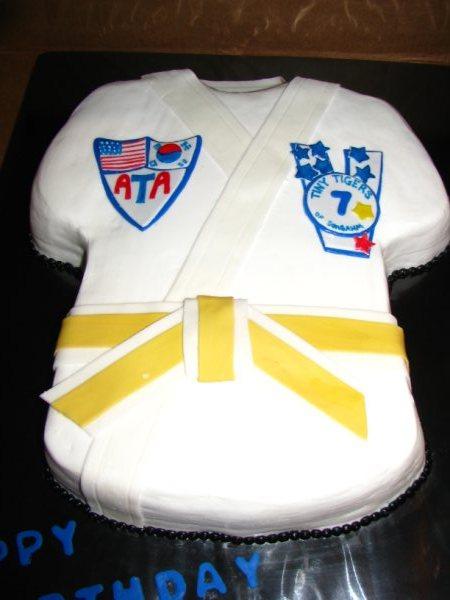 Love Quot Eden Quot Cake Taekwondo Cake