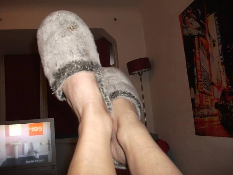 Womens fuzzy slippers fuzzy slipper fetish