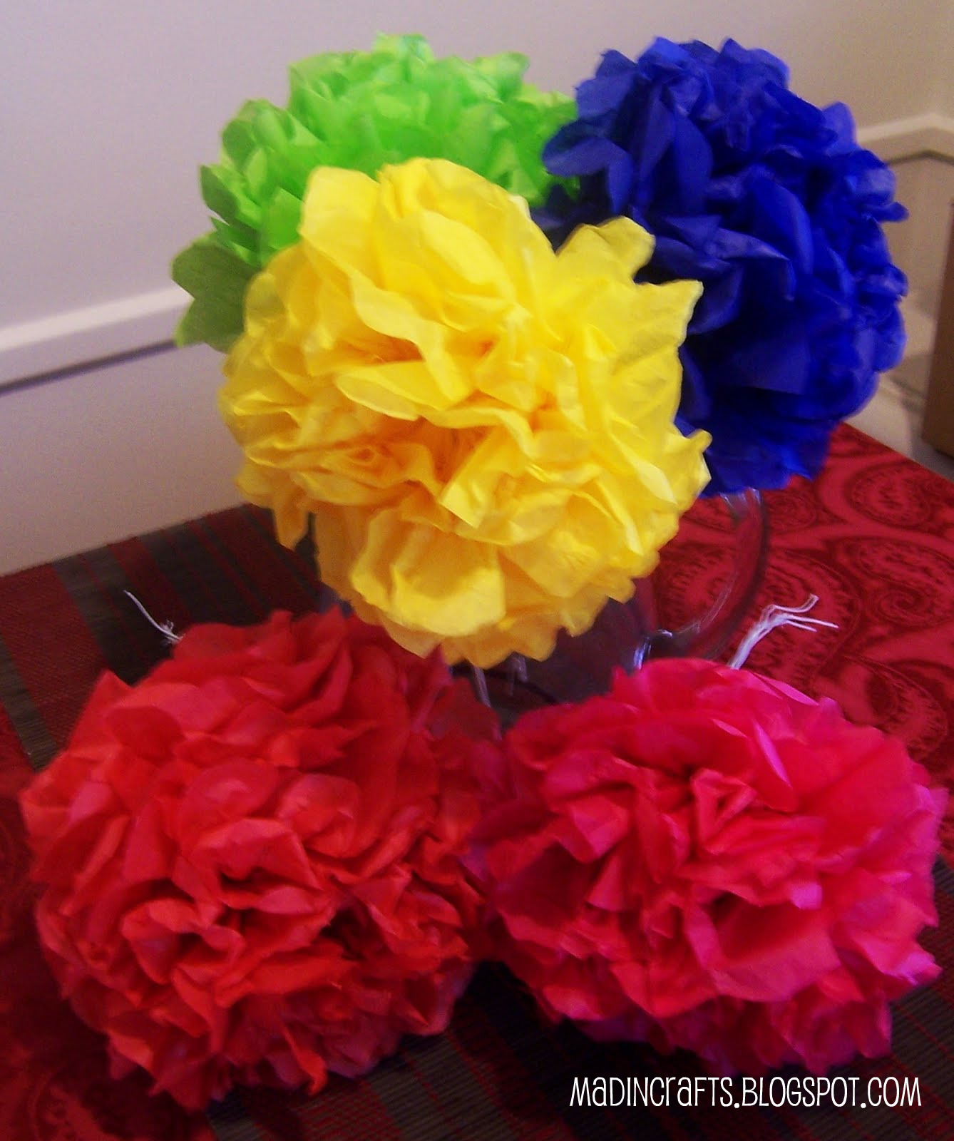 To make Mexican Paper Flowers, you will need: