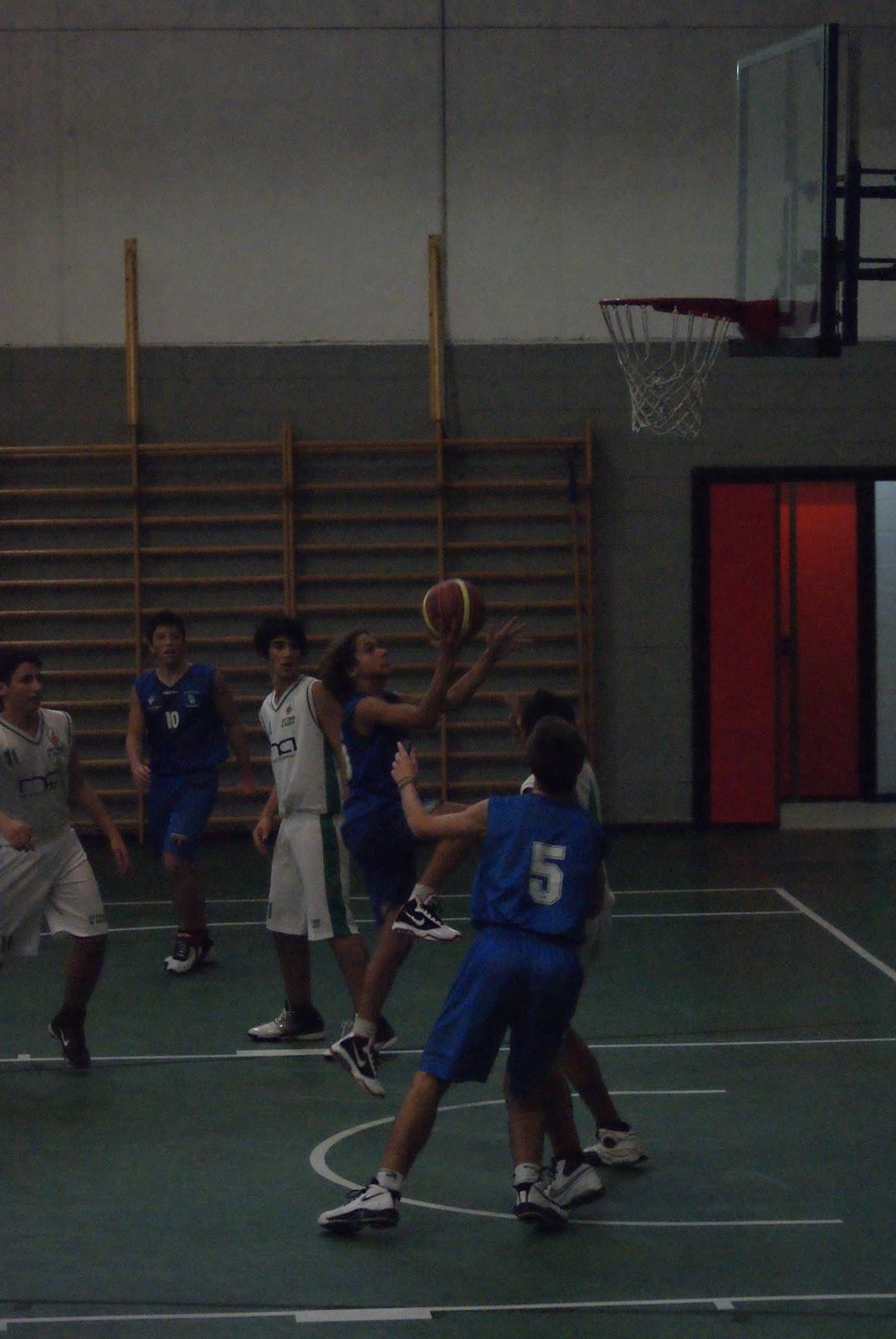 Scuola Media Vergani Novate Milanese.Polisportiva Novate Basket Minibasket 2010