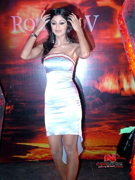 Sexy For Girls Shilpa Shetty Hot Boob Show In Mini Skirt -8172