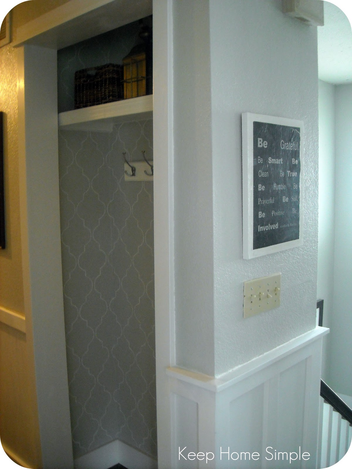 Keep Home Simple New Entry Light: Keep Home Simple: New And Improved Hallway Closet