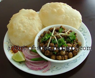 A Hint of Spice: CHOLLE-BHATURE