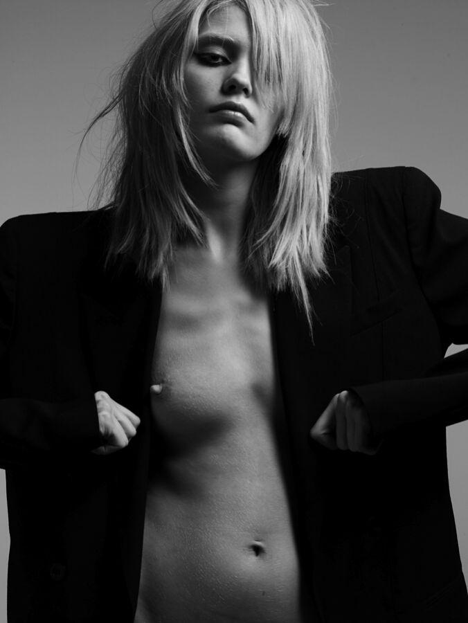 Heidi Mount Nude 103