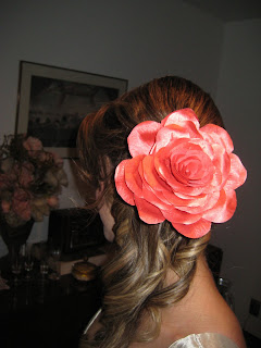 3 Flor no cabelo...!
