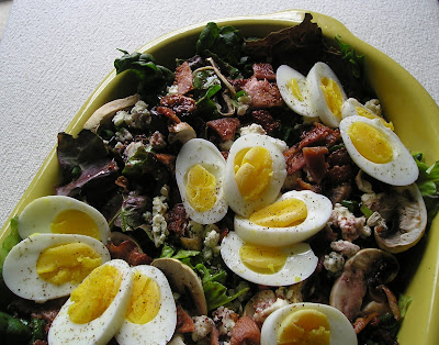 Spinach Salad with Bacon, Blue Cheese & Egg