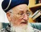 Rabbi Mordechai Eliyahu was hospitalized on Monday after losing consciousness for several minutes.
