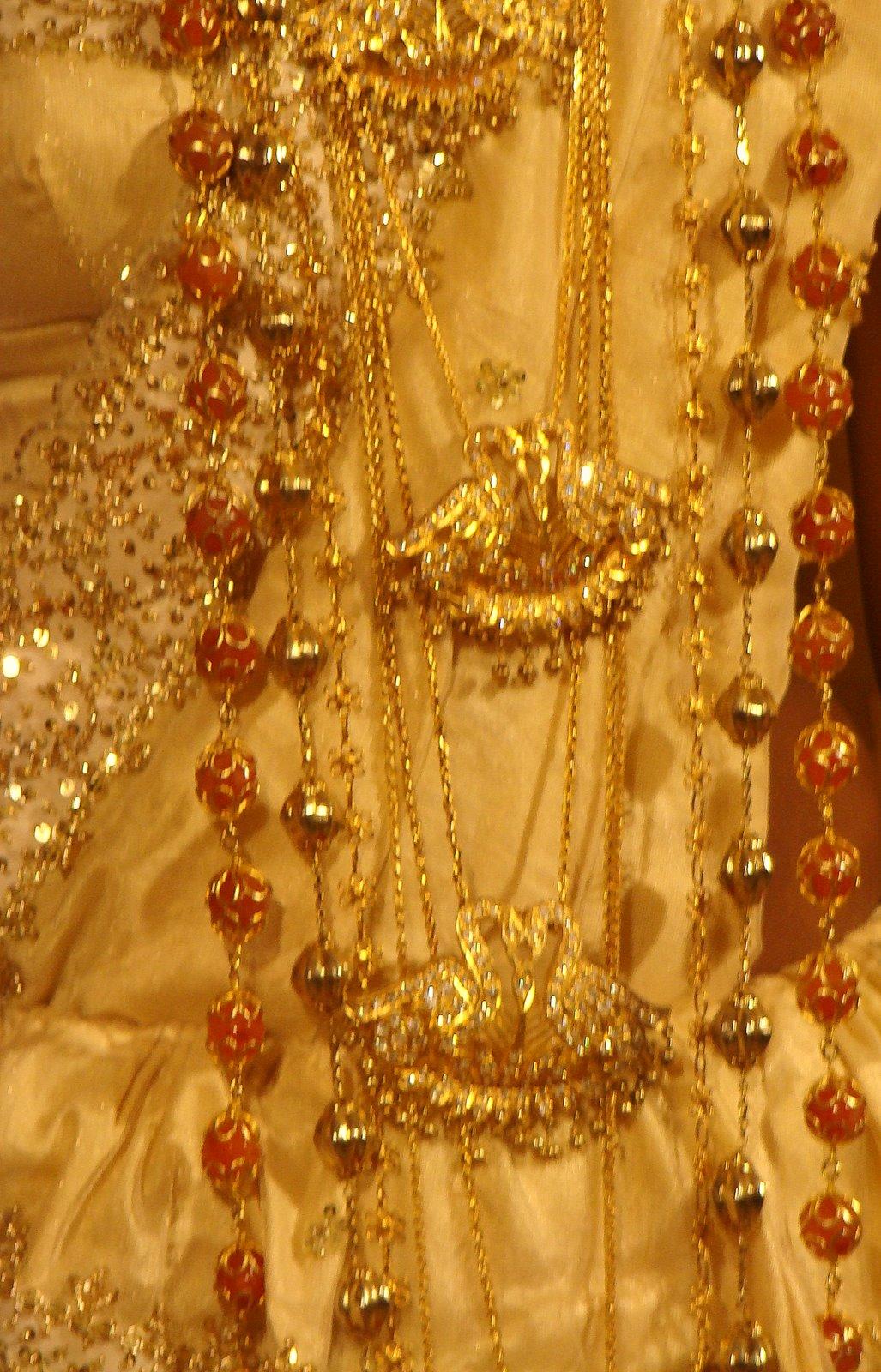 Discoversrilanka Sri Lanka  Traditional Jewelry. North Dakota's Emerald. Batu Emerald. Crystal Gems Emerald. Person Emerald. 4 Man Emerald. Mithuna Emerald. Translucent Emerald. Rasi Emerald