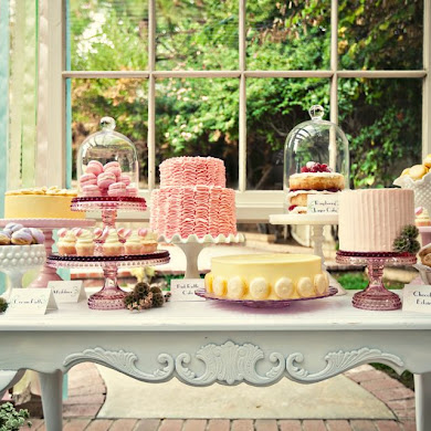 Giveaway | Cupcake Stand from Sweet and Saucy Shop