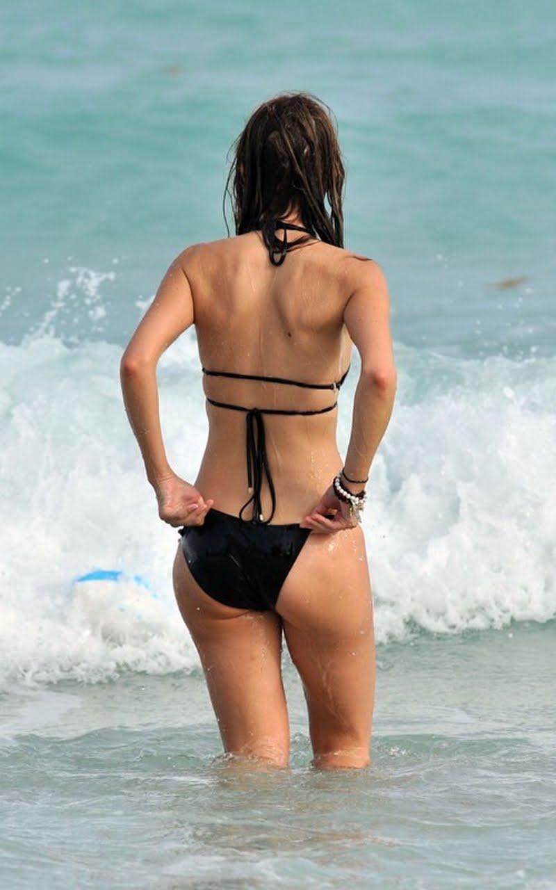 Remarkable, maria menounos bikini pussy slip right! Idea