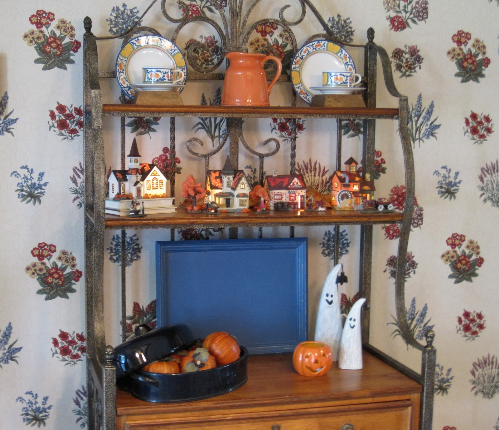 Pier One Bakers Rack: The Dull And The Dutiful: A Little Fall Decorating