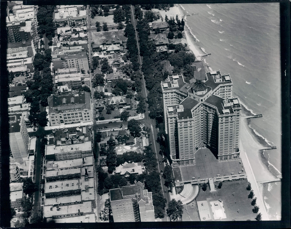 Uptown Chicago History 1933 Aeriel View Of Edgewater With Beach Apartments