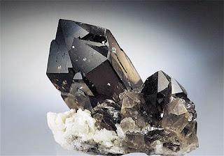 mineral co mineralien edelsteine malachit eisen rauchquarz citrin aventurin topas. Black Bedroom Furniture Sets. Home Design Ideas