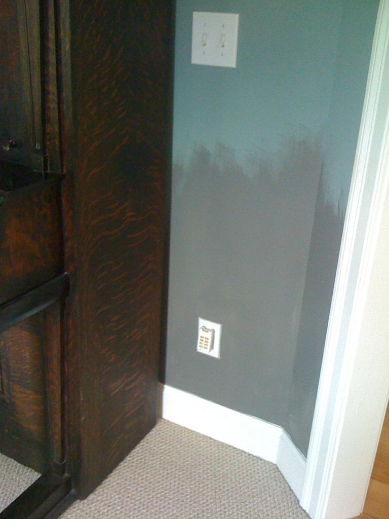 Deux Maison Benjamin Moore Amherst Grey