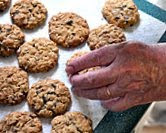 Mom's Everyday Oatmeal Cookies