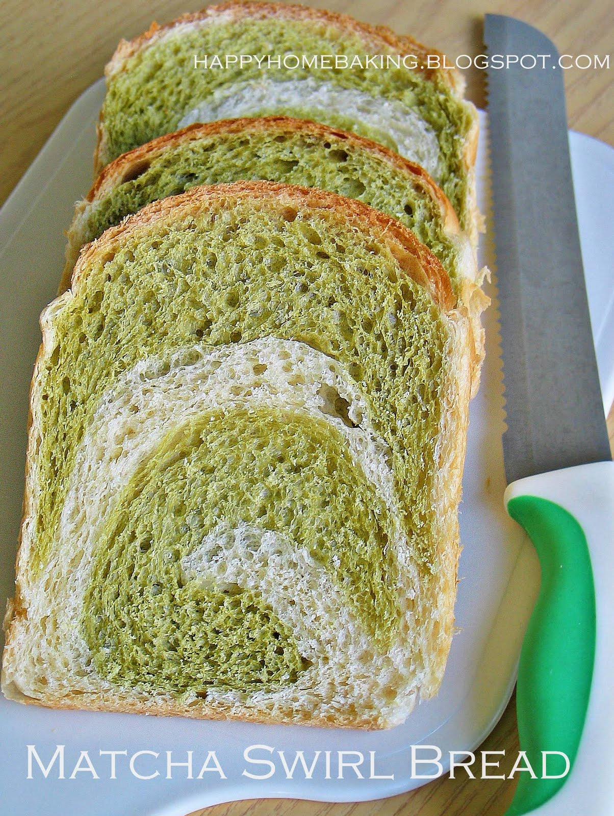 https://i0.wp.com/3.bp.blogspot.com/_Q5SpTKazer0/THG00DhbcYI/AAAAAAAAGhY/t9-2Z9ey8N8/s1600/matcha+swirl+bread+1.JPG?resize=389%2C515