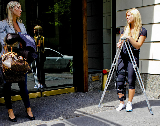 Sexy Woman On Crutches - Babes - Video Xxx-3627
