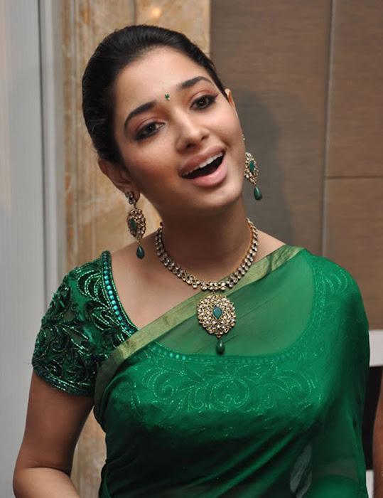 tamannah looking in green saree actress pics