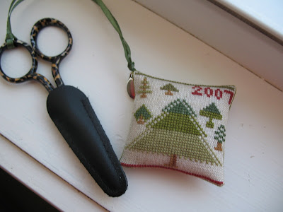 Limited Edition 2007 Alyssum Scissor Pocket