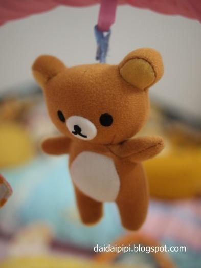 Daidai & Pipi 的快樂魔法: [開箱文] 新玩具: 鬆弛熊書書鈴鈴噹噹X巨大拉拉熊