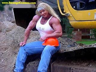 Sabrina Roscachapa playmate del mes luciendo músculo