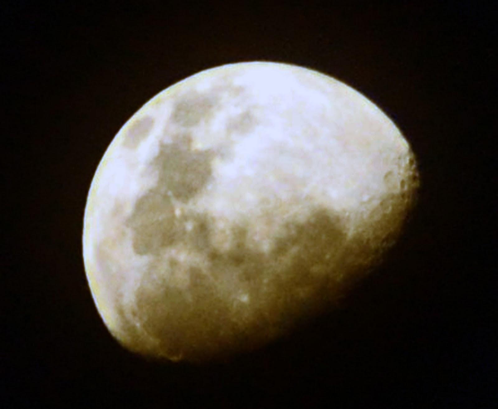 gambar bulan
