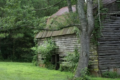 Just Beautiful Things Old Barns Into Eclectic Homes