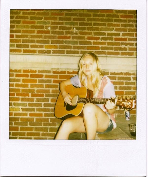 Wedding Bells Lissie: Mainstream Isn't So Bad...Is It?: Why You Listenin