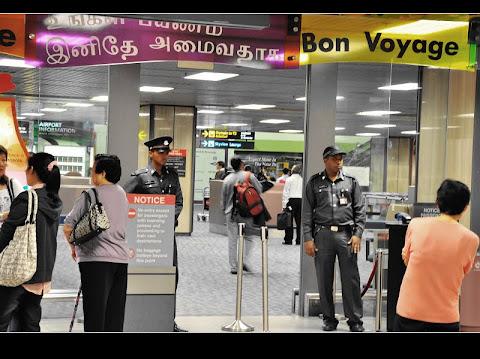 新婚之夜˙睡在新加坡樟宜機場