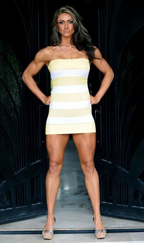 Muscular Womens Dressed Taylor Waldrop-1092