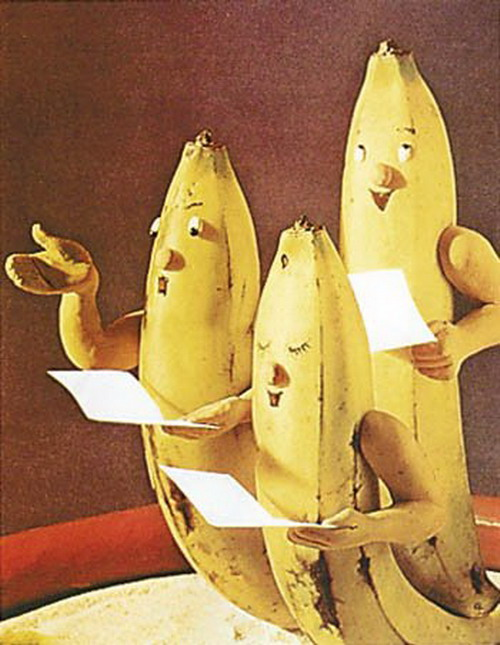 Each Of The Bananas Has Not Only A Funny Look But Also A Funny Name Like The I Pod Banano Alienana Frankenana Banana Lovers Banana Suicide