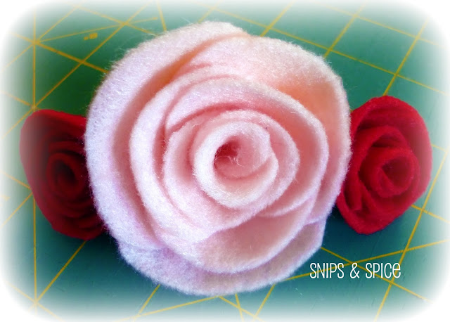Tutorial for making felt roses