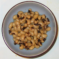 black-eyed peas photograph by Ranjit Bhatnagar http://www.flickr.com/photos/ranjit/2774870/